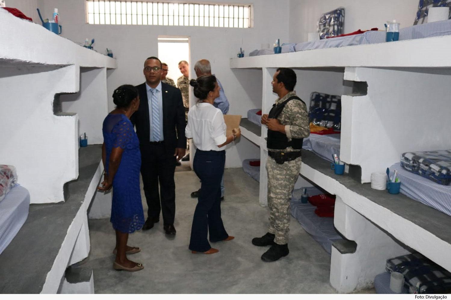 Grupo visita novas instalações do presídio