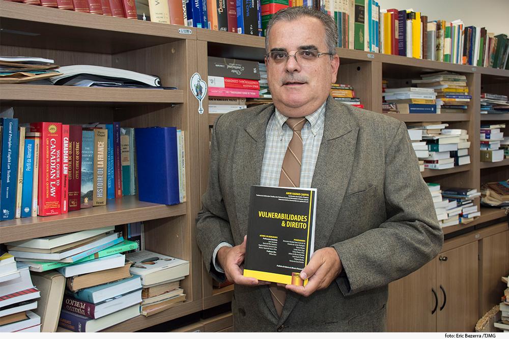 noticia01_livro-des-rogerio-medeiros-11-02-19.jpg