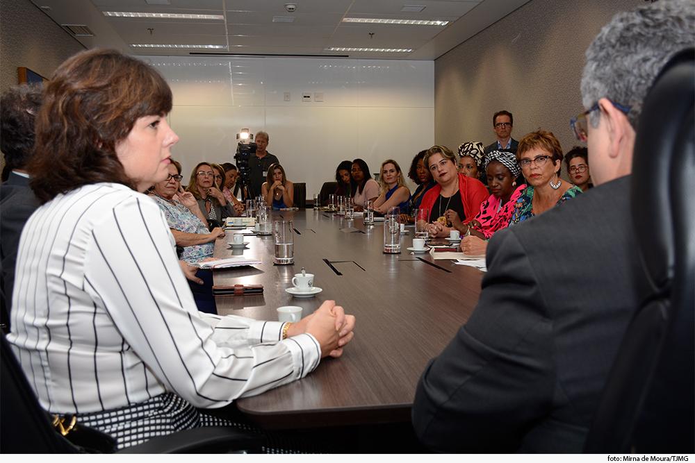 noticia07-encontro-mulheres-contagem-betim-29.05.19.jpg