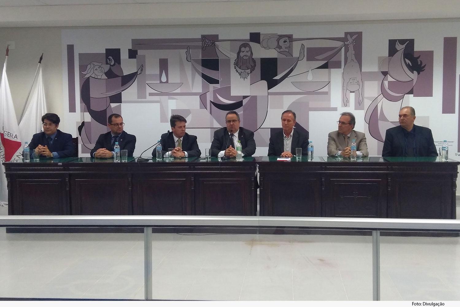 noticia2-instalacao-memoria-do-Judiciario-Mineiro-10.06.19.jpg