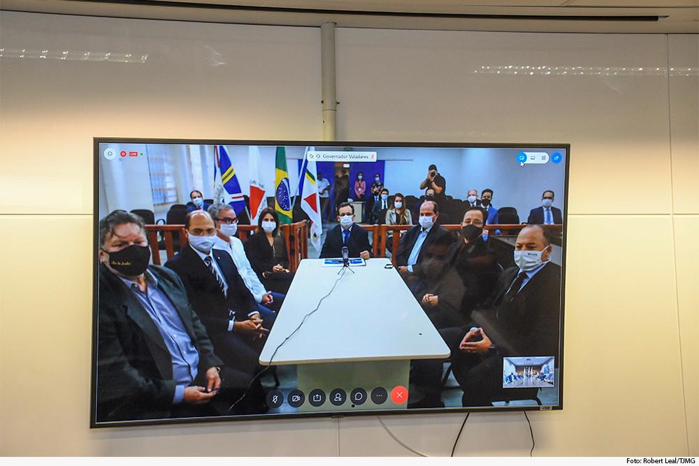 noticia5-anuncio-do-forum-de-valadares.jpg