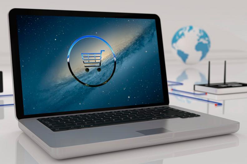 computador com tela de e-commerce