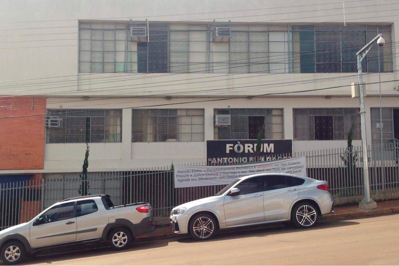 not_cia-Forum-Sao-Gotardo.jpg