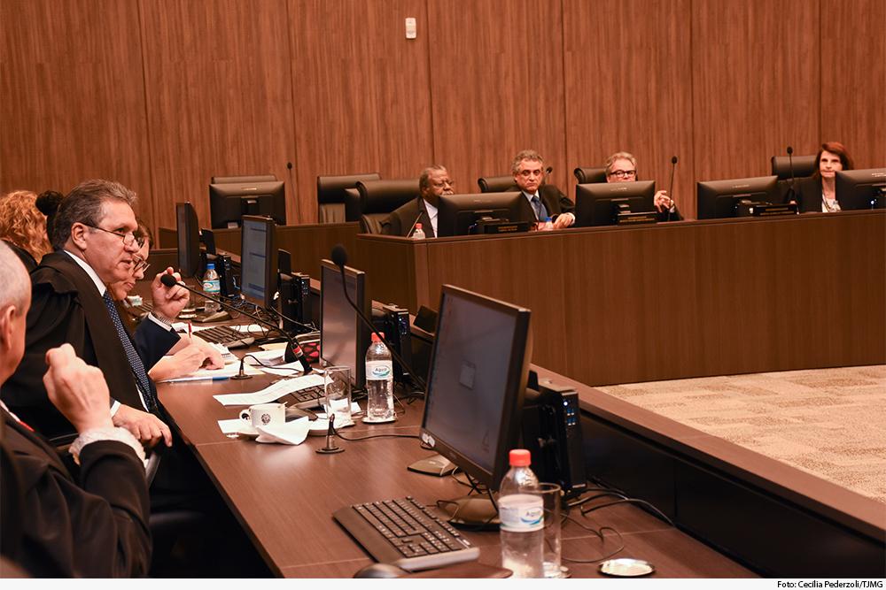 O 1º vice-presidente do TJMG, desembargador Afrânio Vilela, presidiu o julgamento da Segunda Seção Cível