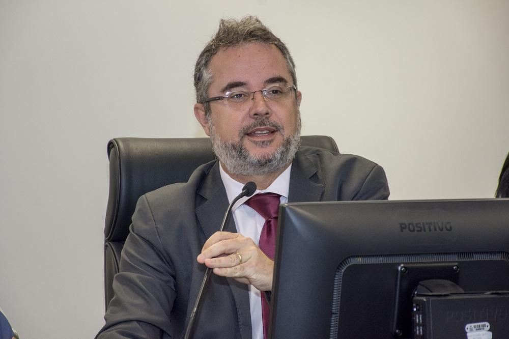 Juiz Luiz Carlos Rezende e Santos