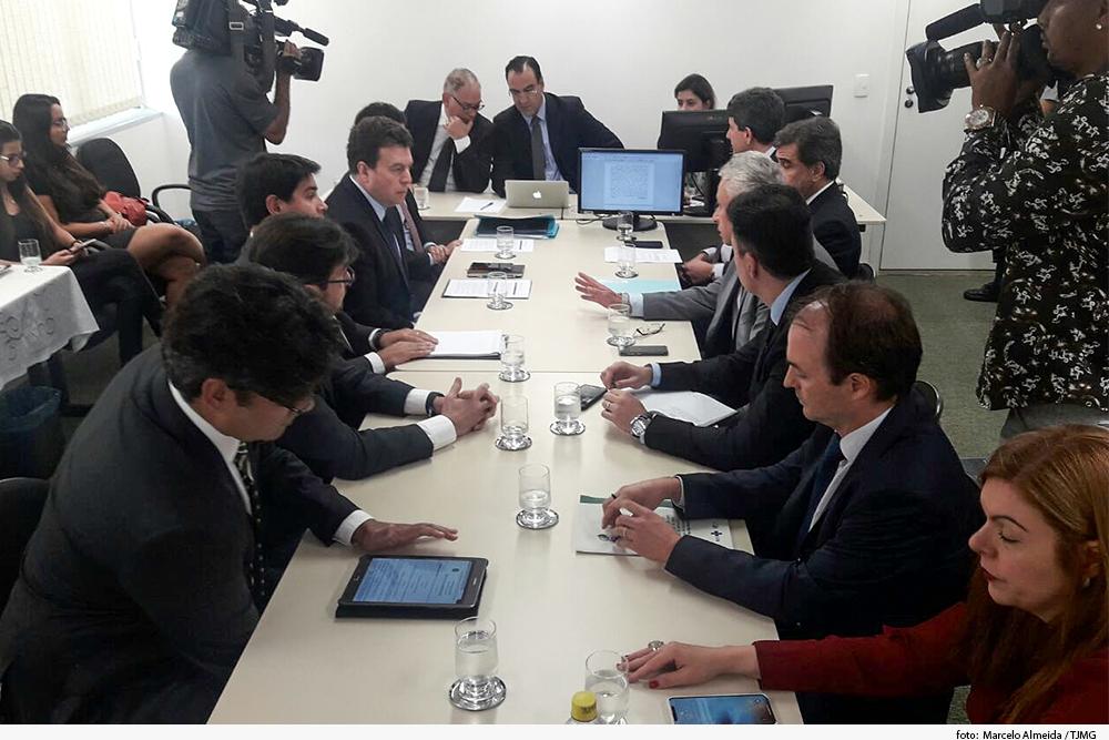 noticia1-audiencia-forum.jpg