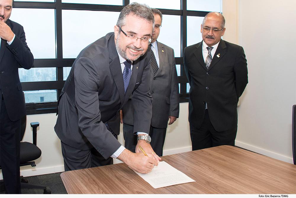 noticia04_posse-cons.-criminologia-07-02-19.jpg